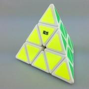 MoYu Pyraminx blanco